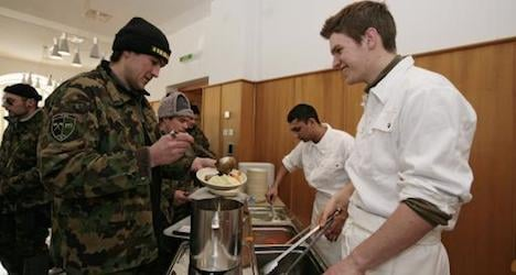 Army pledges to serve Swiss food only to troops