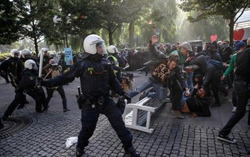 Police injured in anti-Nazi protest in Stockholm