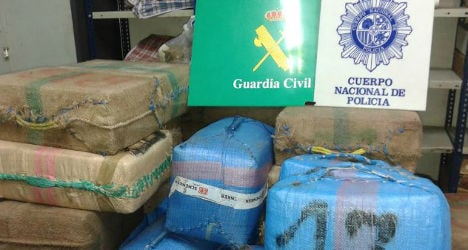 Smugglers caught with three tonnes of hash