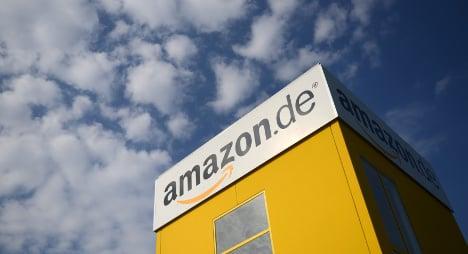 Authors take up fight against Amazon