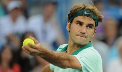 Federer ousts Murray to reach Cincinnati semis