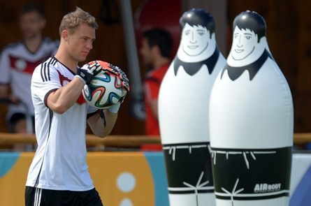 Wax goalie Neuer joins Madame Tussaud's