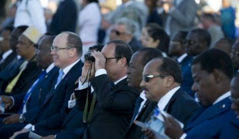 Hollande honours 'southern D-Day' veterans