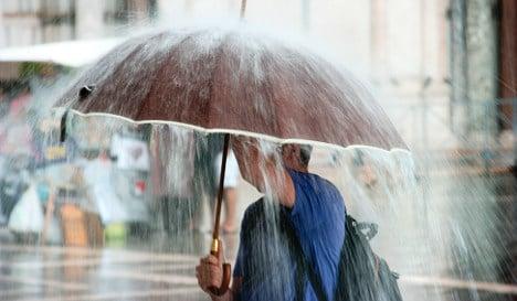 Hotels reimburse visitors for bad weather