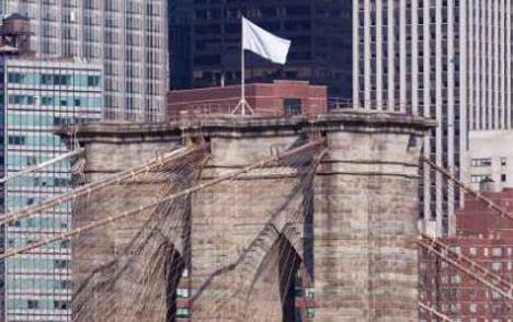 German artists admit New York flag stunt