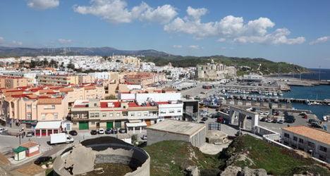 Tarifa: child migrants 'hid under camper van'