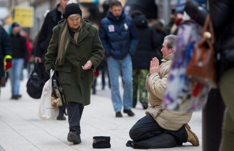 Gothenburg sends beggars home in droves