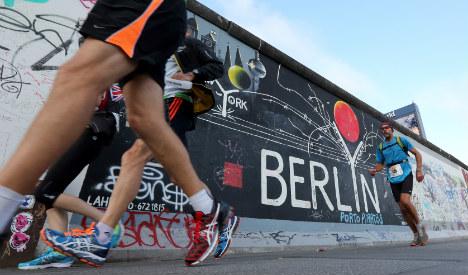 Hundreds turn out for Berlin Wall ultramarathon