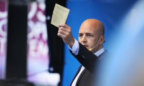 Reinfeldt calls for tolerance to refugees