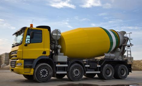 Norwegian man in 7,000 litre 'Ice Truck Challenge'