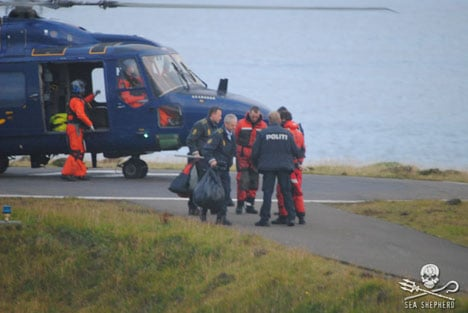 14 detained trying to stop Faroese dolphin hunt