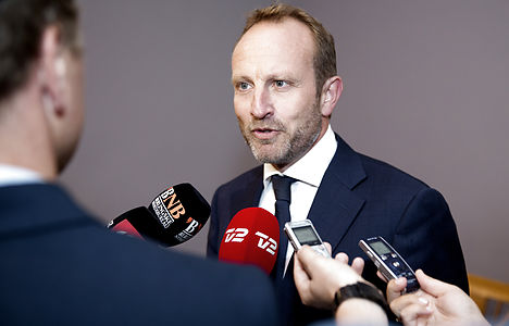 FM visits Middle East for cooperation against Isis