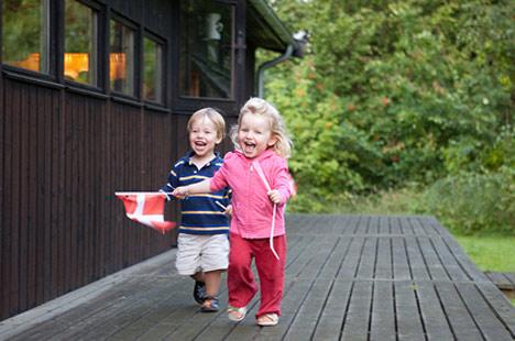 The Danish happiness plot thickens