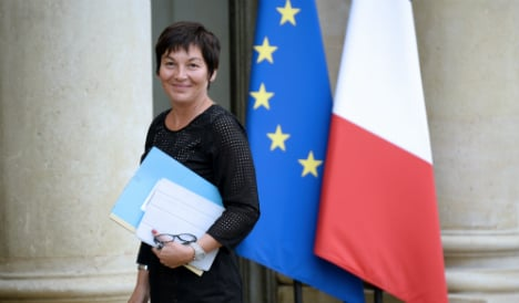 French minister 'first' in Africa Ebola zone
