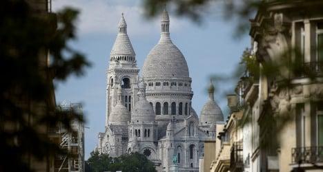 Scammers attack Paris's top cop at tourist hotspot