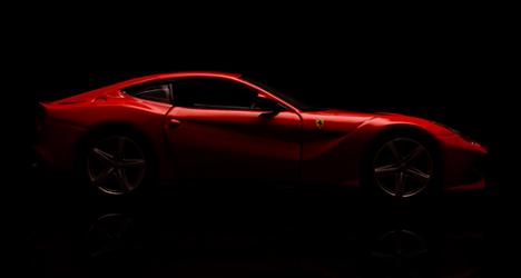 Ferrari: champ on road, flop on racetrack