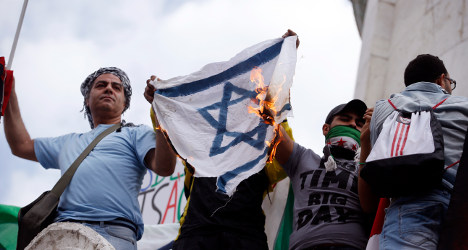 Spike in anti-Semitic attacks in France