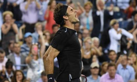 Federer battles into ninth US Open semifinal