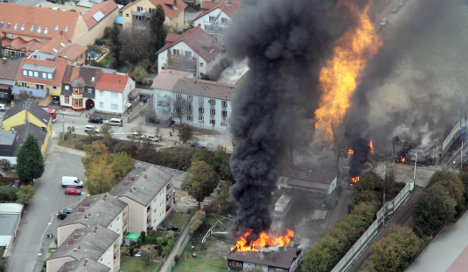 Stay inside after blast, Ludwigshafen told
