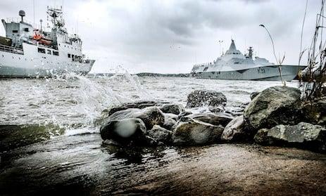 Sweden calls off suspect submarine search