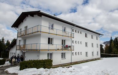 Armed youths attack Tyrol refugee centre