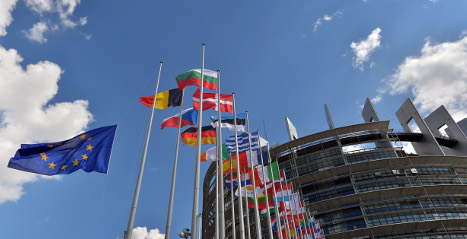 EU clears Italy's budget for 2015