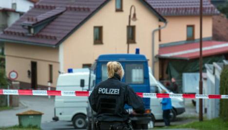 Man kills ex-girlfriend, mother and himself