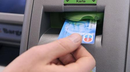 Schoolgirl (12) spent thousands on stolen card