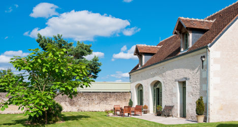 How to rent out a second home in France legally