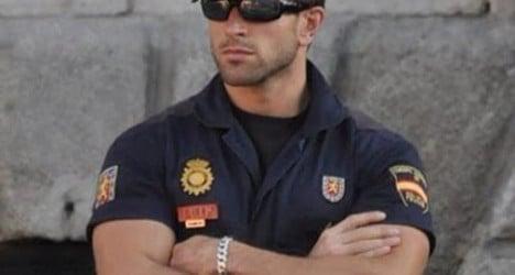 Mr Biceps: Spanish cop heats up Instagram