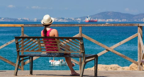 Spain swelters in autumn 'heatwave'