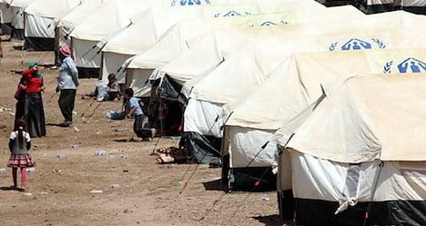 Austrian MPs visit Syrian refugees