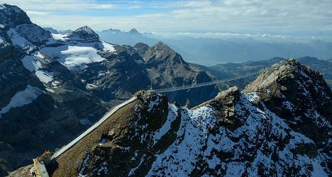 Glacier 3000 opens new mountaintop bridge