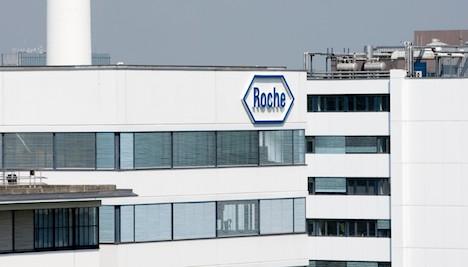 Roche seeks fast track for Ebola virus test