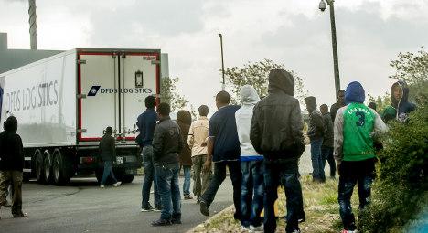 British migrant fences 'laughable': Calais mayor