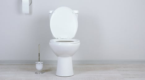 France allows toilets in kitchens for first time
