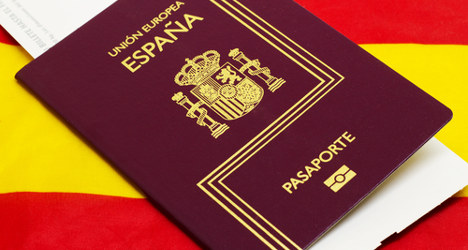 Spain sees steep fall in number of new citizens