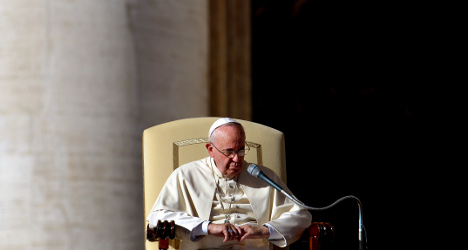 Pope to raffle off gifts to help the homeless