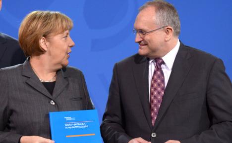 Top economists take aim at Merkel government