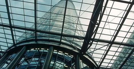 Bomb threat closes Vienna shopping centre