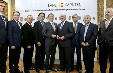 Austrian states agree on new asylum centres