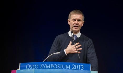 Sri Lanka accuses Oslo envoy of funding rebels
