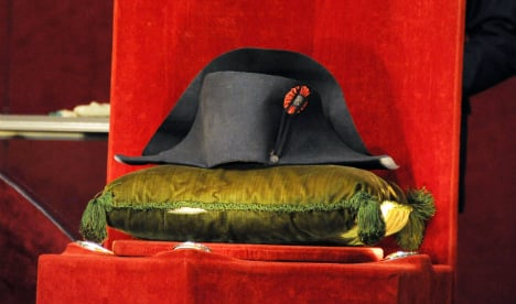 Napoleon's two-pointed hat sold for €1.9 mln
