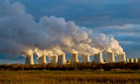 Minister: shutting down coal plants 'unrealistic'