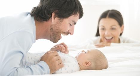 Spain snubs plans for longer paternity leave