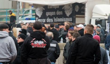 Anti-Muslim 'hooligan' rally avoids feared riot
