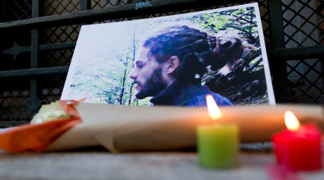 Anarchists storm AFP over Frenchman's death