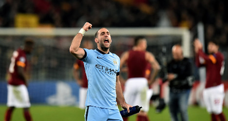 Manchester City see off Roma to reach last 16