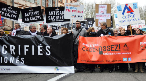 French business owners protest red tape and tax
