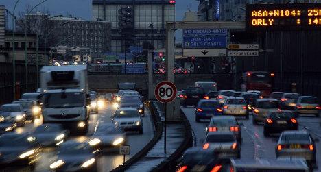 Paris: Traffic chaos as flood closes peripherique